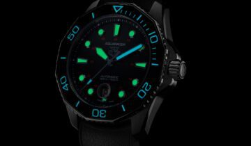 Watches & Wonders 2021: TAG Heuer Limited Edition Aquaracer Professional 300 Tribute to Ref. 844
